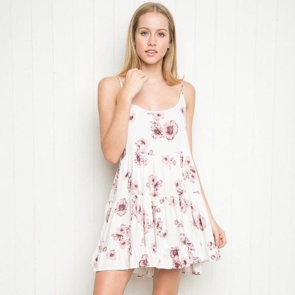 e9d72eb0f807 Brandy Melville Dresses   Skirts - Brandy Melville Floral Summer Dress